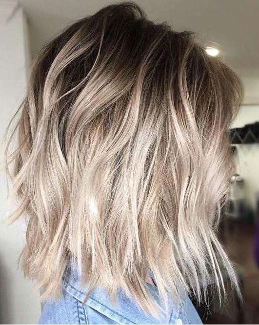 Włosy blond, czyli jakie? Najmodniejsze odcienie blondu
