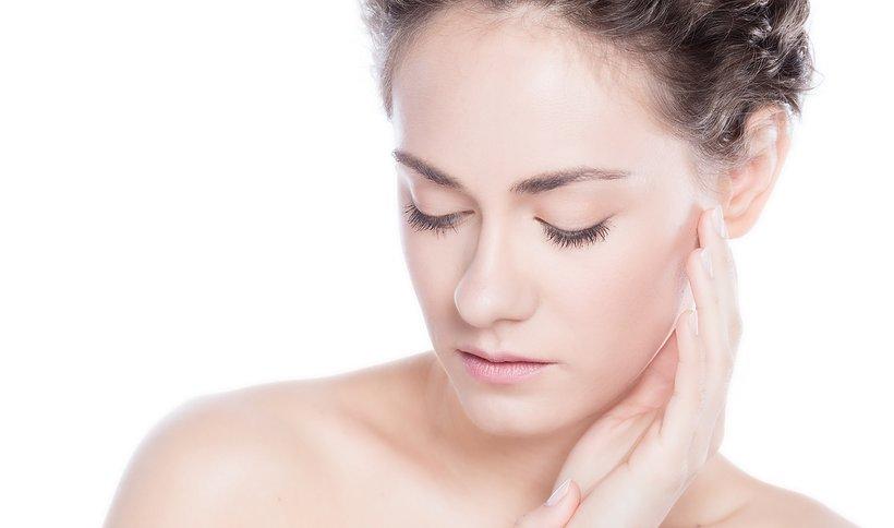 SERUM – jak działa, czy warto, jak często i inne ważne fakty o mocarnym kosmetyku