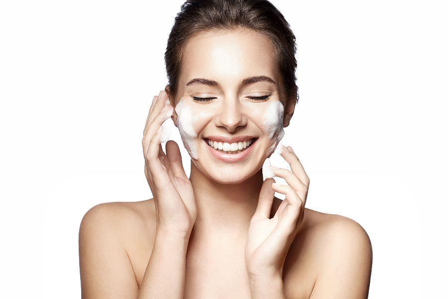 Kosmetyki do demakijażu twarzy – wybierz idealny dla siebie