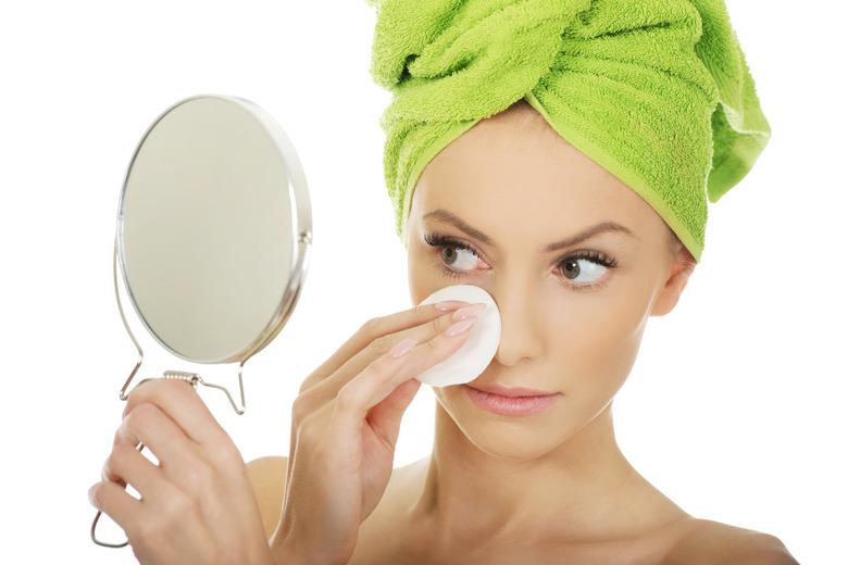 Uwaga! Alergia! Jaki makijaż dla alergiczek?