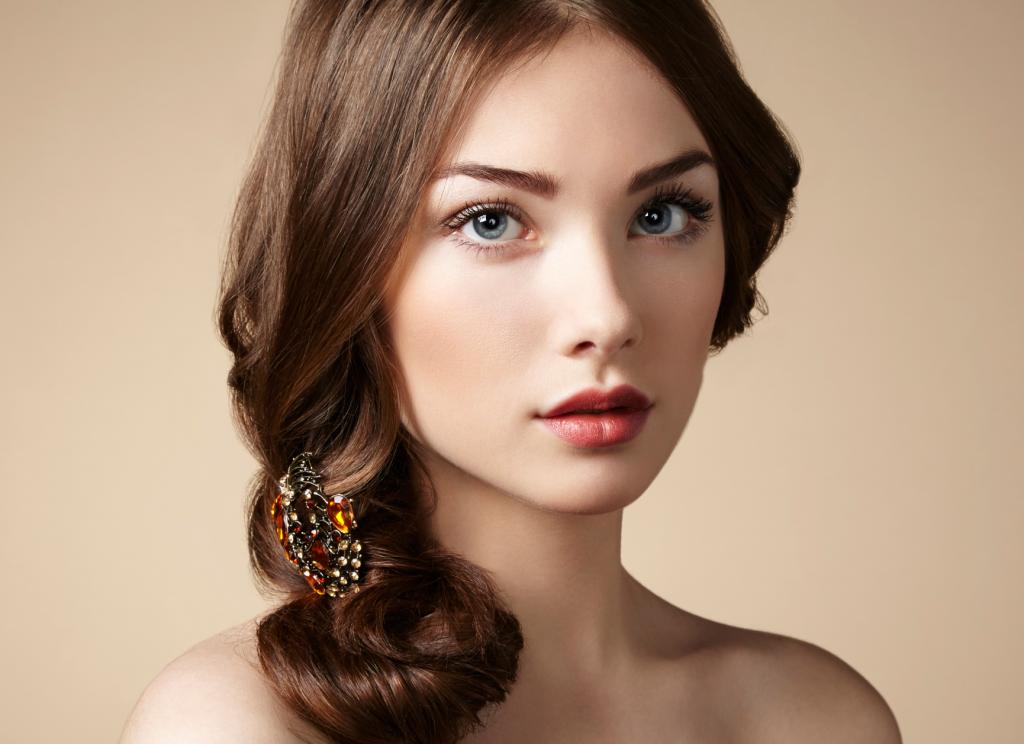Jak zrobić makijaż korekcyjny?
