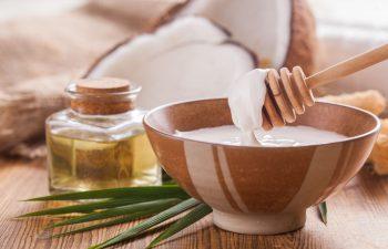 olej kokosowy na włosy i skórę