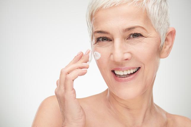 Pielęgnacja skóry bardzo dojrzałej – jak sprostać wymaganiom skóry 60+, 70+