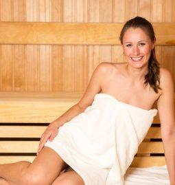 jak sauna wpływa na włosy?